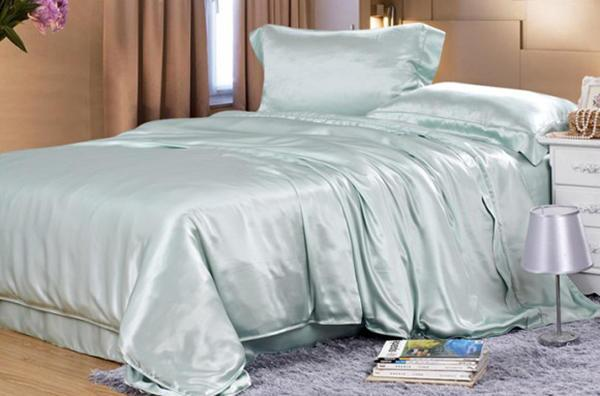 Silk bedding Light green 100% silk 19momme