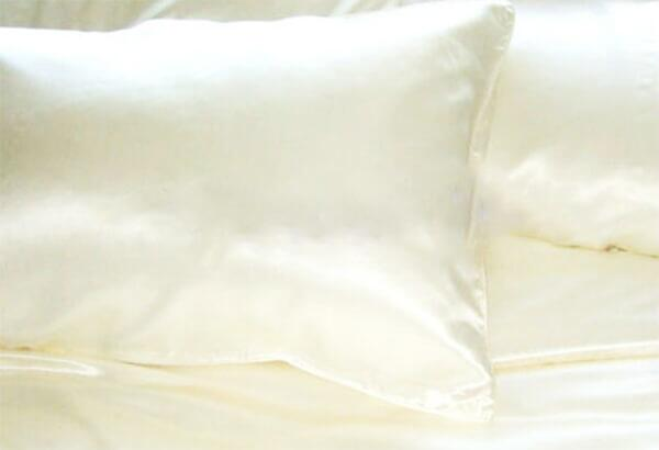 Silk Pillowcase 22mm ivory 60x63cm
