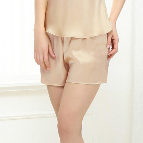 Incredibly beautiful silk camisole and shorts in silk 19momme